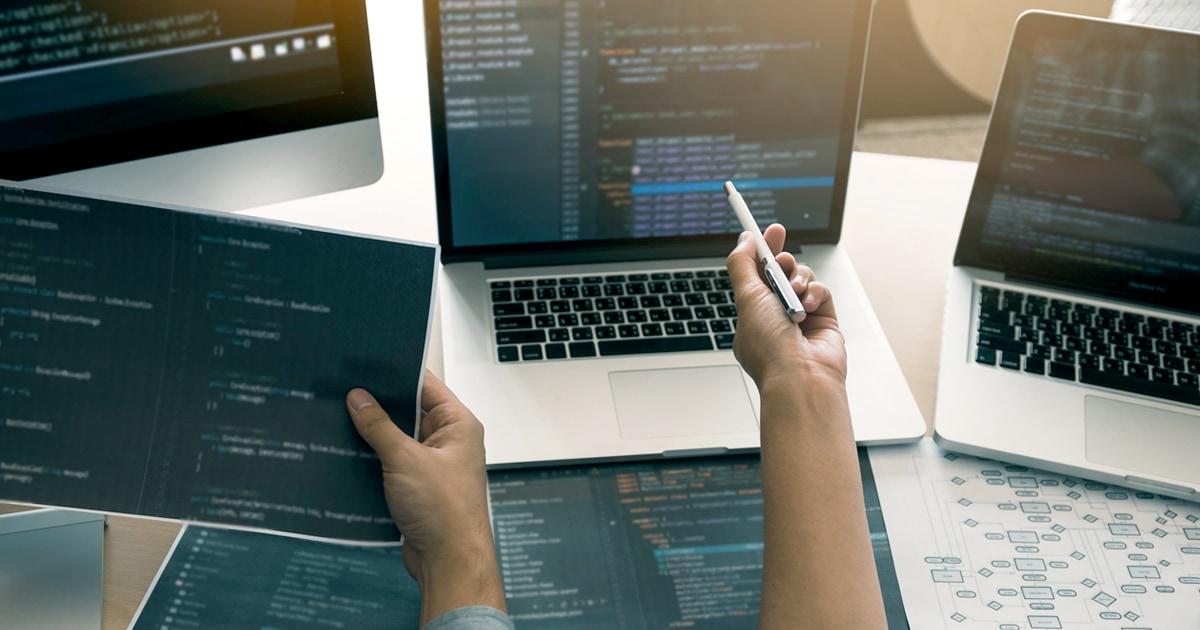 「事業所ごとにバラバラなデータ管理」で全社的なムダ・非効率が問題に・・・データの一元管理、組織的活用に成功し、ガバナンスを強化できたわけ